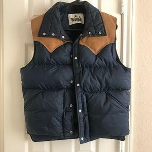 Vintage Woolrich Men's Blue Puffer Snap Vest